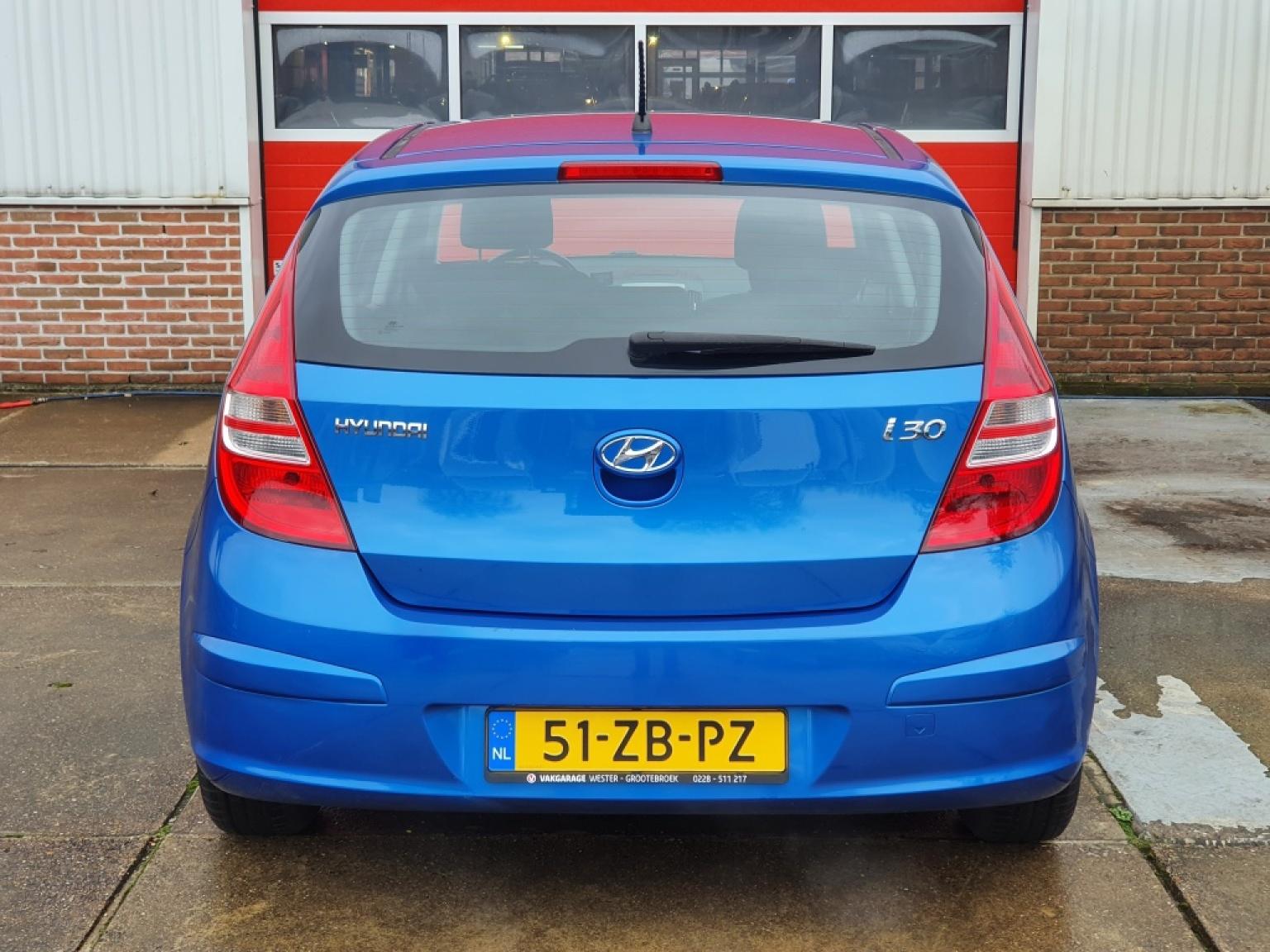 Hyundai-i30-4